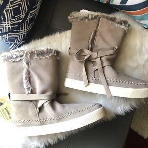 Toms Vista Faux Fur Suede Lined Boots